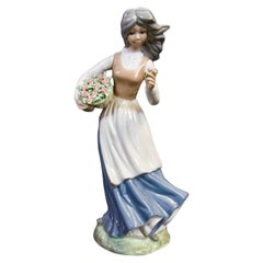 Spanish Porcelain Woman Figurine from Tengra, 1970s