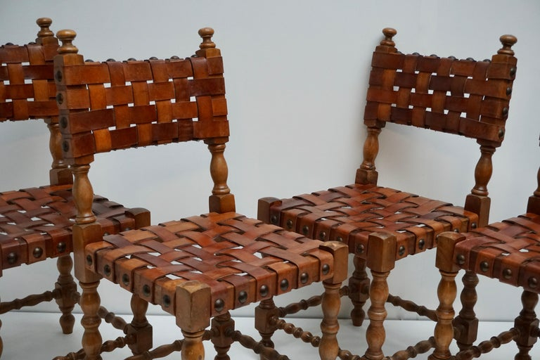 Spanish Set of Four Interlaced Leather Wooden Chairs For Sale 5