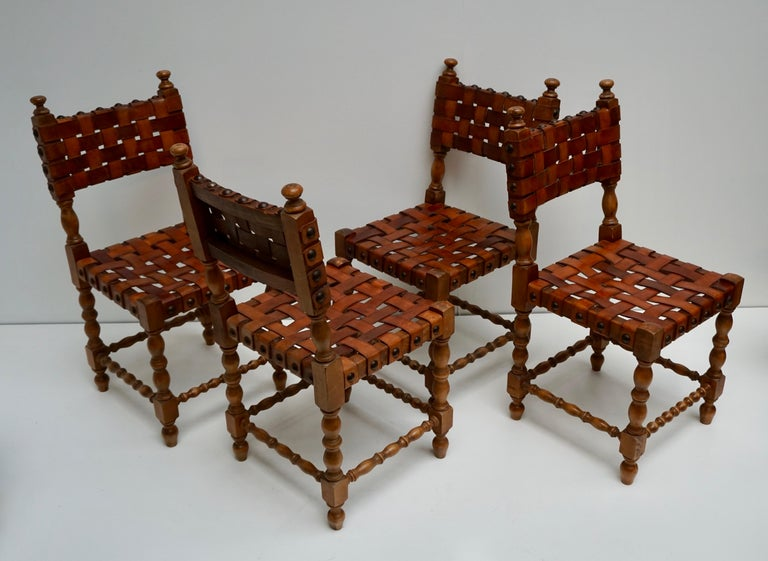 Spanish Set of Four Interlaced Leather Wooden Chairs For Sale 1