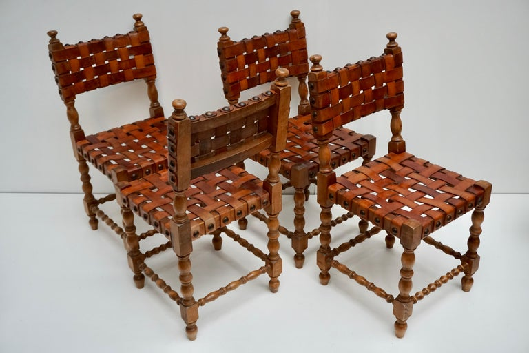 Spanish Set of Four Interlaced Leather Wooden Chairs For Sale 2