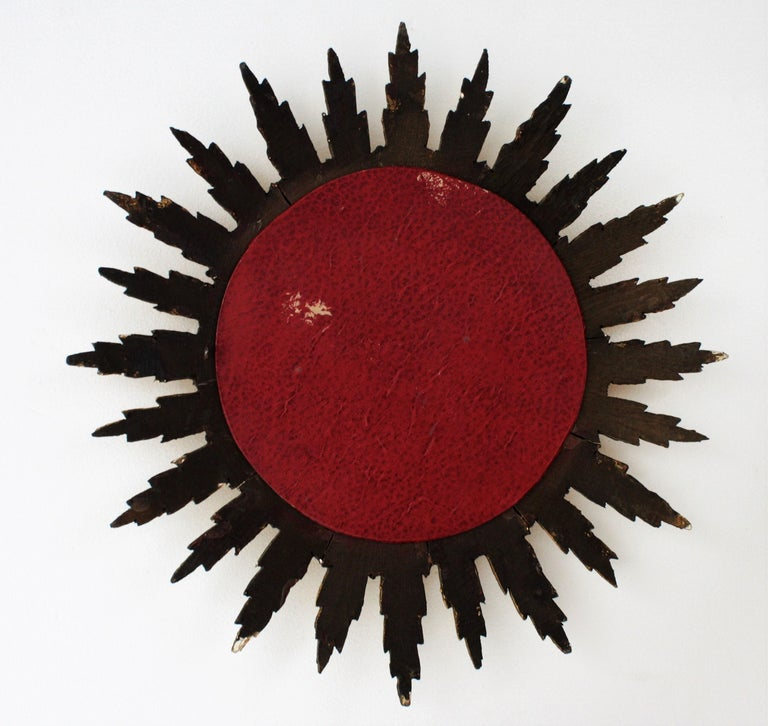 Spanish Sunburst Starburst Mirror in Carved Giltwood, 1950s For Sale 3