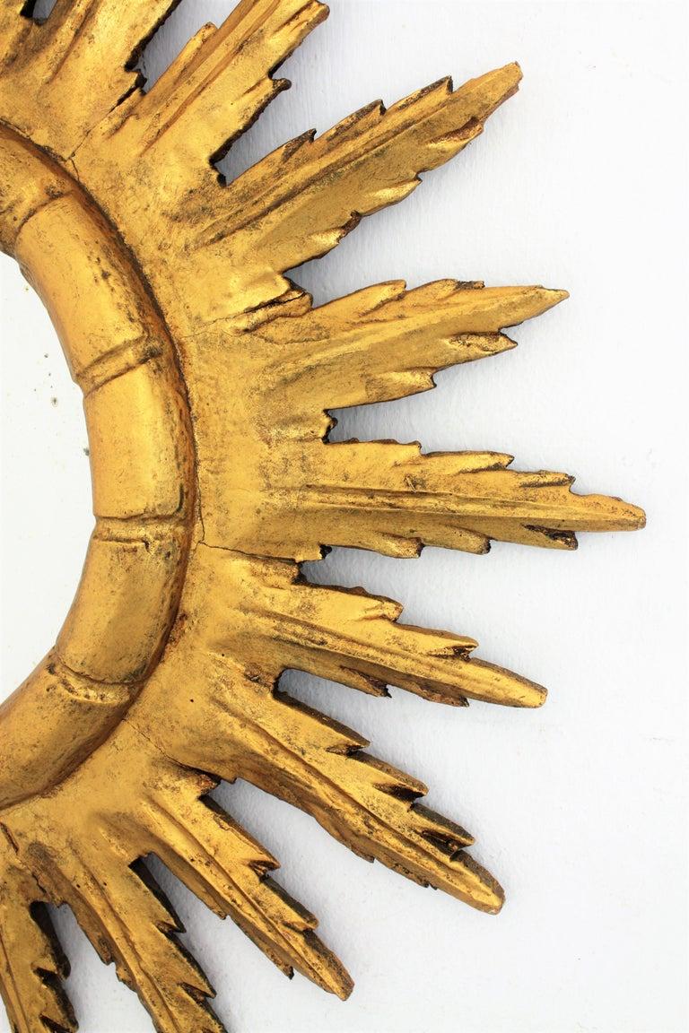Spanish Sunburst Starburst Mirror in Carved Giltwood, 1950s For Sale 1