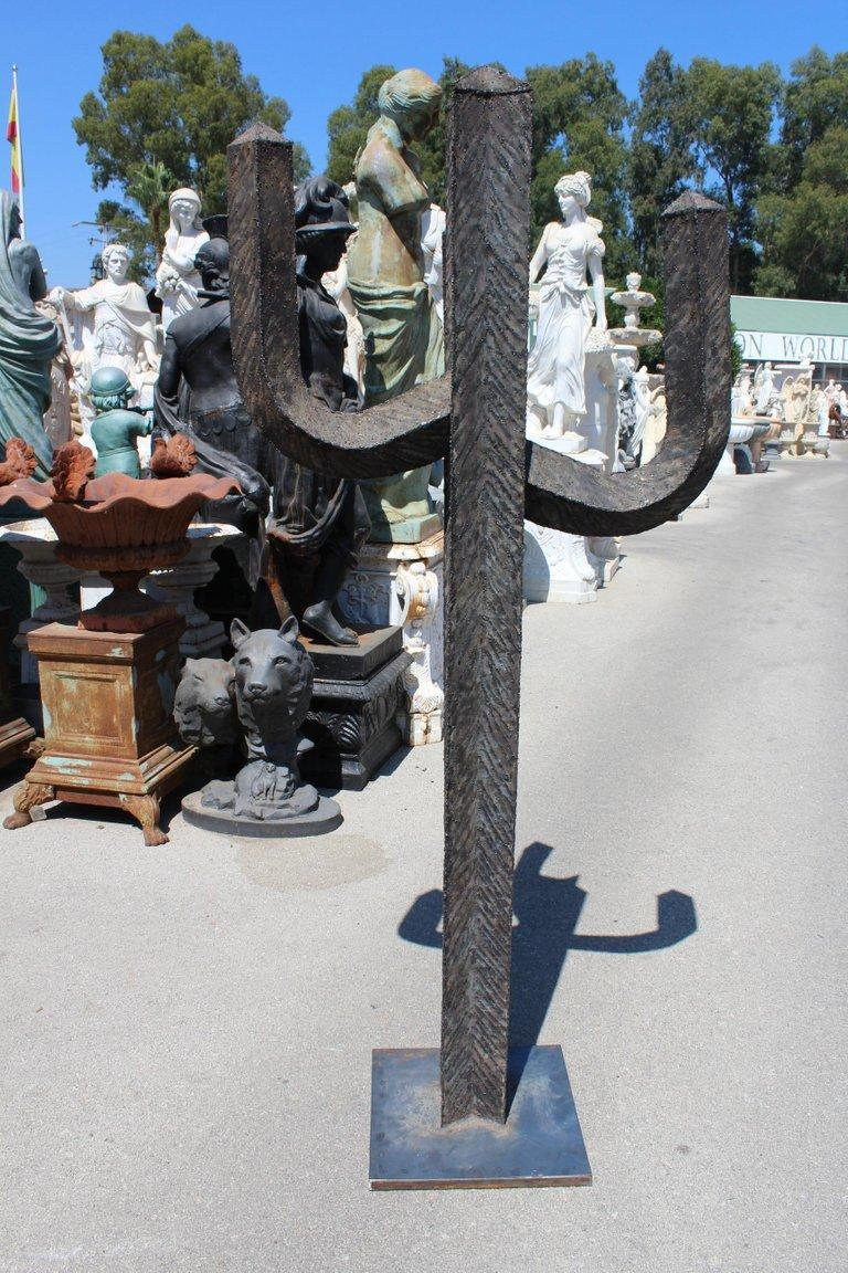 Spanish Wrought Iron Set of Three Cactus with Arms In Good Condition For Sale In Malaga, ES