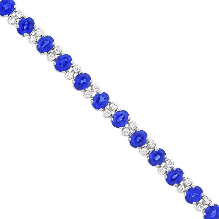 Spark Sapphire and Diamond-Set White Gold Bracelet For Sale 3