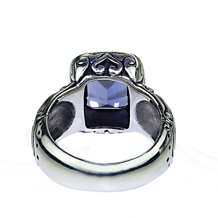Sparkling Blue Iolite in Sterling Silver Ring with 18 Karat Gold  For Sale 1