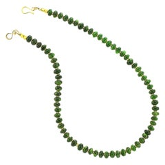 Gemjunky Sparkling Chrome Diopside Necklace with Goldy Accents