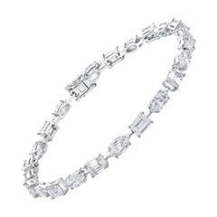Sparkling Tennis Bracelet, 18 Karat Gold, 7.75 Carat, Marquise and Emerald