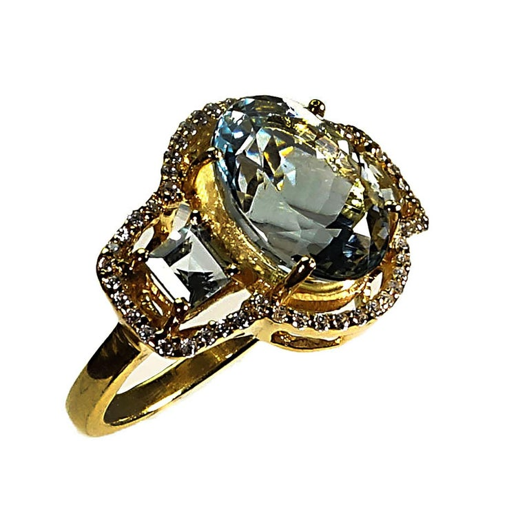 Oval Cut Sparkling Three stone Aquamarine Dinner ring with Zircons For Sale