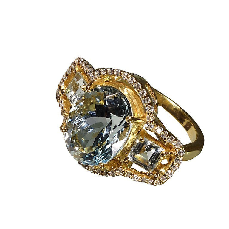 Sparkling Three stone Aquamarine Dinner ring with Zircons For Sale 3