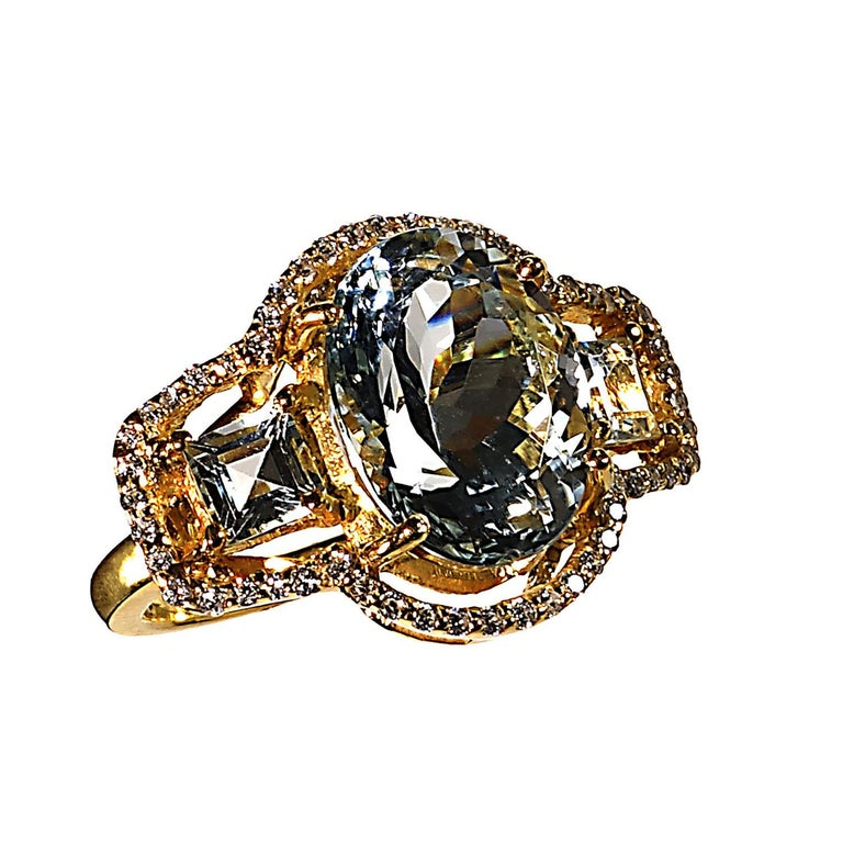 Sparkling Three stone Aquamarine Dinner ring with Zircons For Sale 4