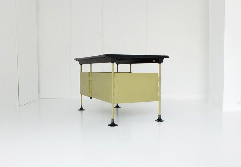 Mid-20th Century Spazio Desk and Side Desk by Bbpr Studio for Olivetti, Italy, 1962 For Sale