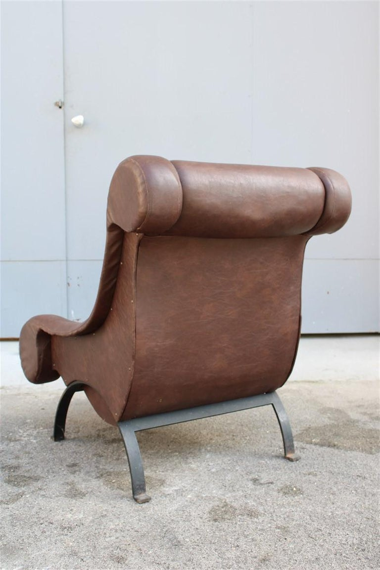 Special Midcentury Italian Design Armchair Faux Leather 1950s Metal Foot For Sale 3