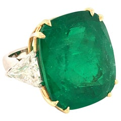 Spectacular 44.09 Carat Colombian Emerald and Diamond Ring in 18 Karat Gold
