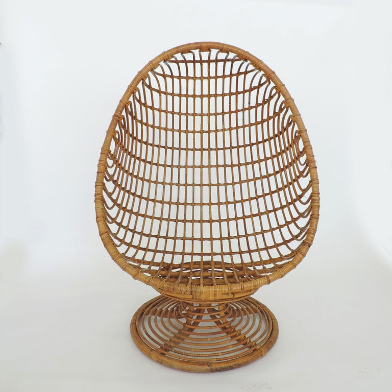 Mid-Century Modern Spectacular Bamboo Egg Chair, Italy, 1960s For Sale