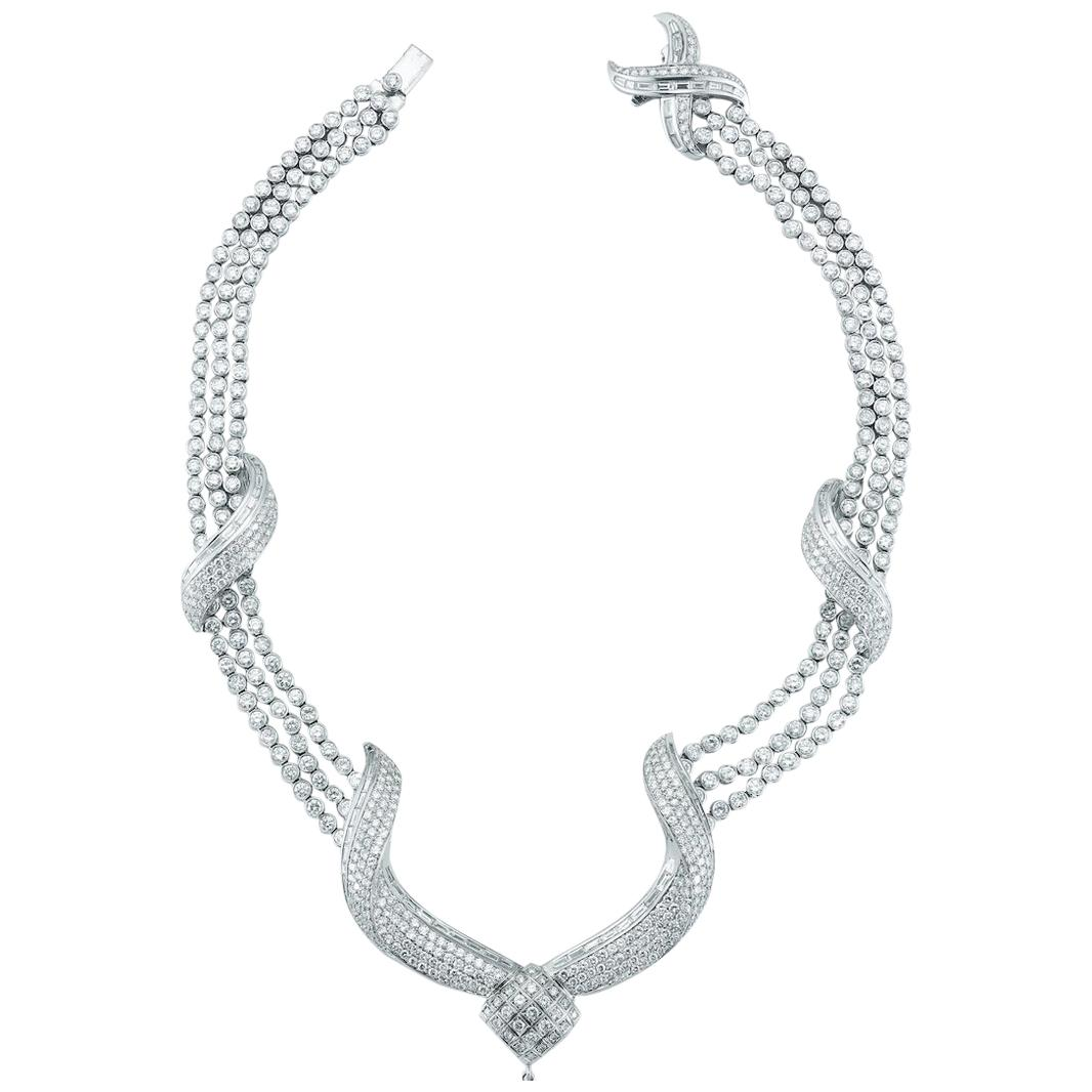 Spectacular 63 Cts Diamond Necklace In 18K White Gold