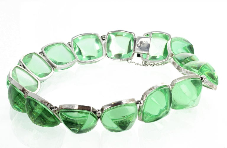 Real Baccarat Spectacular Glittering Elegant Magnificent Green Necklace For Sale 2