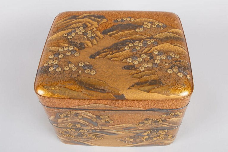 Spectacular Incense Box, Hills and River, Gold and Silver Chrysanthemums In Good Condition For Sale In Hudson, NY
