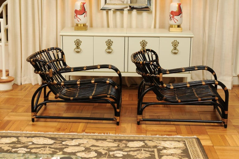 Spectacular Pair of Espresso and Caramel Art Deco Rattan Loungers, circa 1940 For Sale 4
