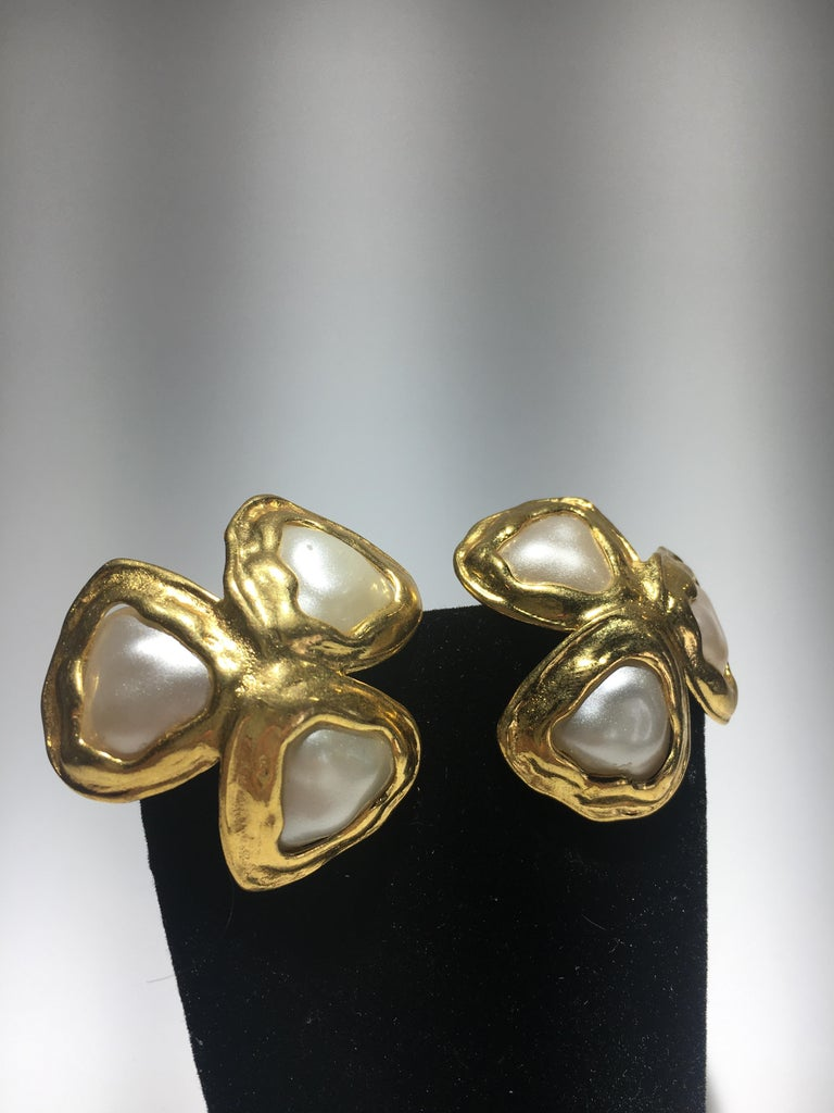 Classical Greek Spectacular Three Leaf Gold And Faux Mabe Pearl Chanel Earings, Great Scale. For Sale