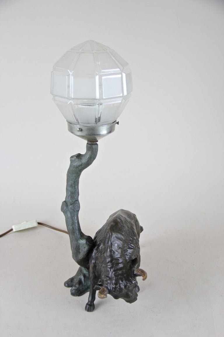 Spelter Table Lamp with North American Bison Art Nouveau, Austria, circa 1900 For Sale 3