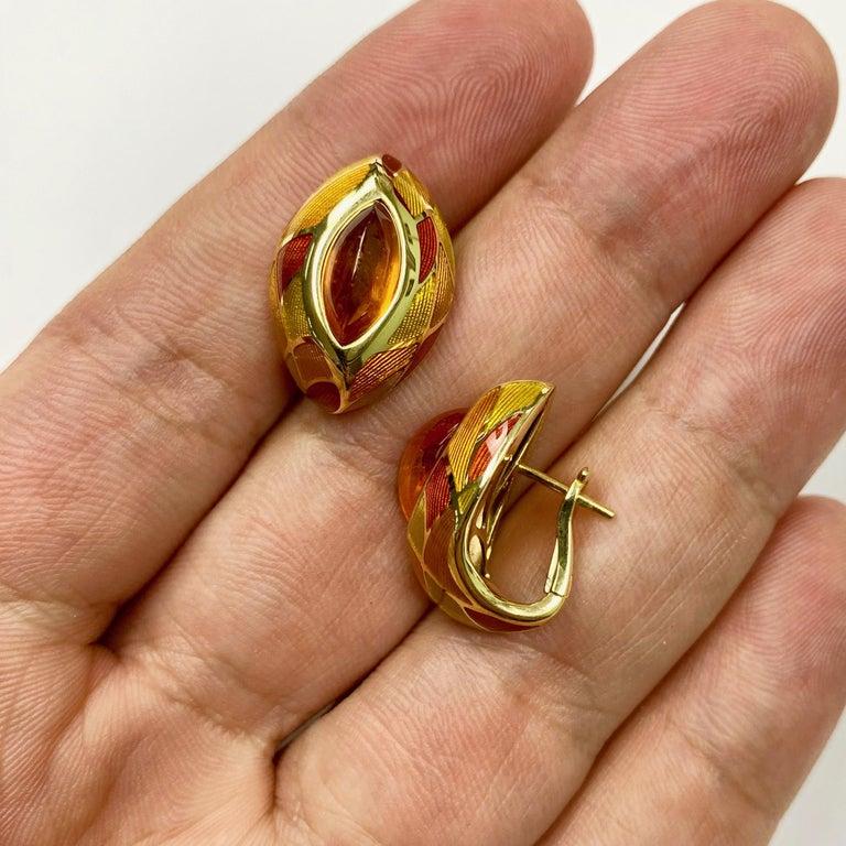 Women's Spessartine Garnet 6.40 Carat Enamel 18 Karat Yellow Gold Earrings For Sale