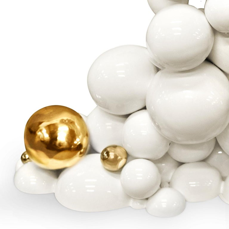 Contemporary Spheres Console Table with Aluminium White and Gold Spheres For Sale