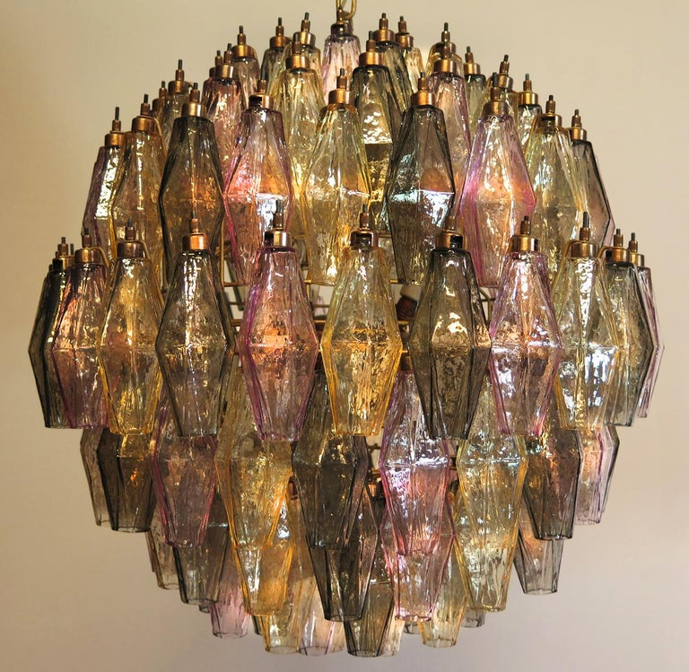 Elegant Italian pendant light made from 140 multicolored