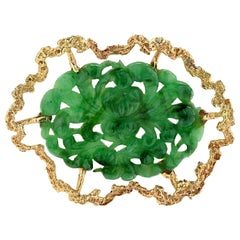 Spinach Jade and Yellow Gold Brooch Pin