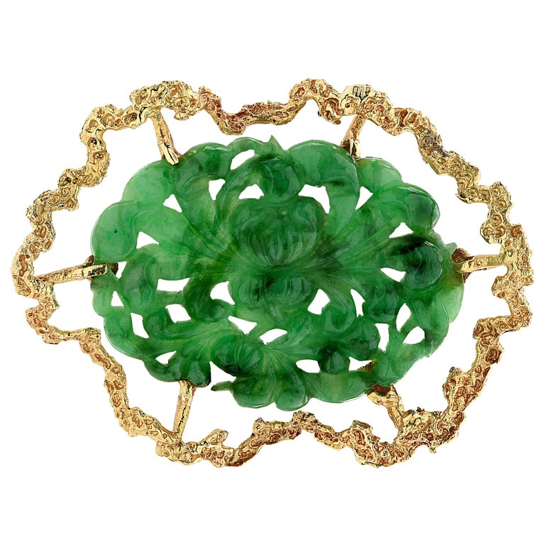 Spinach Jade and Yellow Gold Brooch Pin For Sale