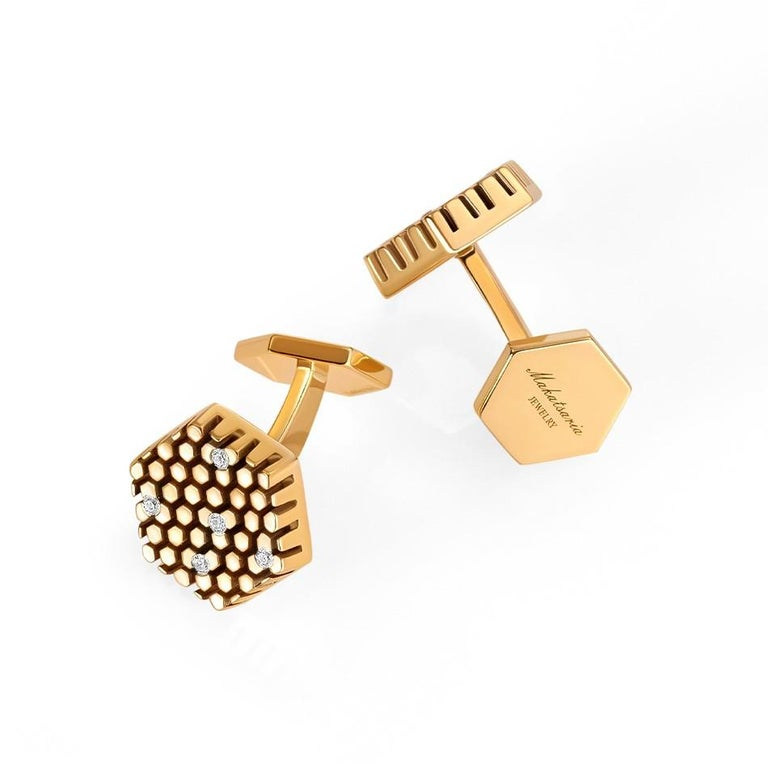 Splendid Yellow Gold Fine Jewelry Statement White Diamond Fashionable Cufflinks In New Condition For Sale In Montreux, CH