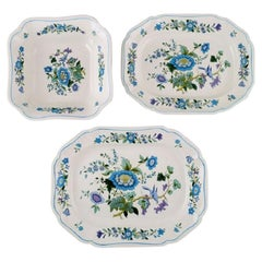 Spode, England, Bowl and Two Dishes in Hand-Painted Porcelain, 1960s/70s