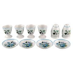 Spode, England, Four Mulberry Egg Cups, Caviar Bowls and Salt / Pepper Shaker