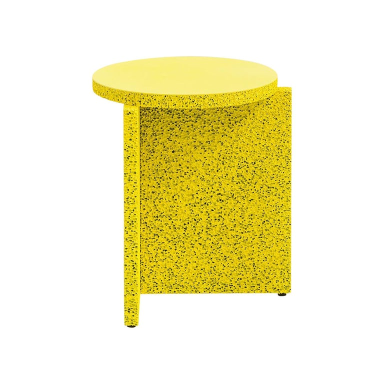 The Sponge table is a simple construction that highlights the use of material, extenuating the surface texture. Assuming the weight and feel of an object to later find out it's nothing like what you expected is the experience intended by the Sponge