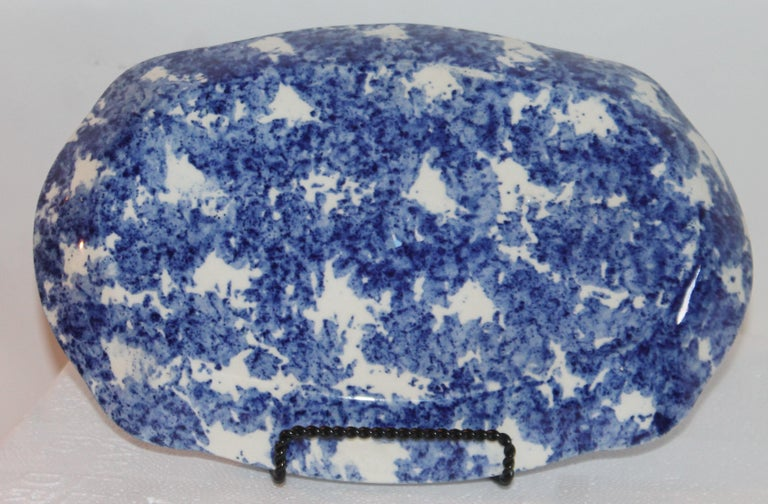 American Sponge Ware Collection of 19th Century Single Platter and 4 Vegetable Bowls For Sale