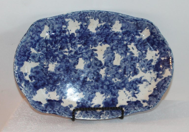 Hand-Painted Sponge Ware Collection of 19th Century Single Platter and 4 Vegetable Bowls For Sale