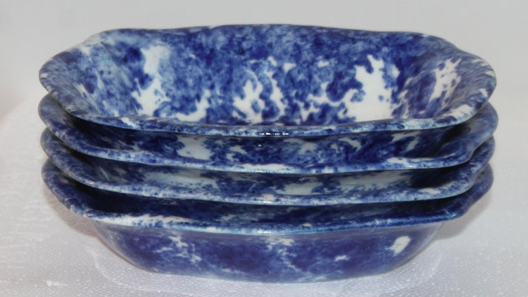 Sponge Ware Collection of 19th Century Single Platter and 4 Vegetable Bowls In Good Condition For Sale In Los Angeles, CA