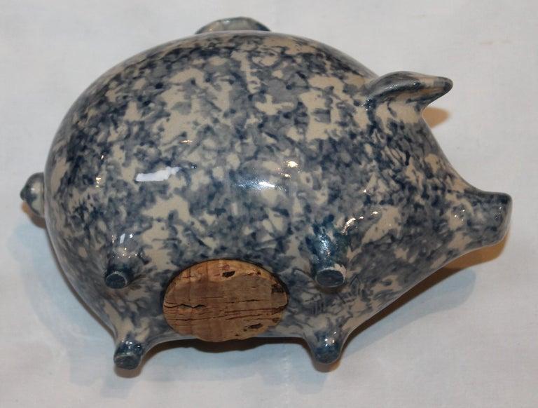 Sponge Ware Pottery Piggy Bank / Rare In Good Condition For Sale In Los Angeles, CA