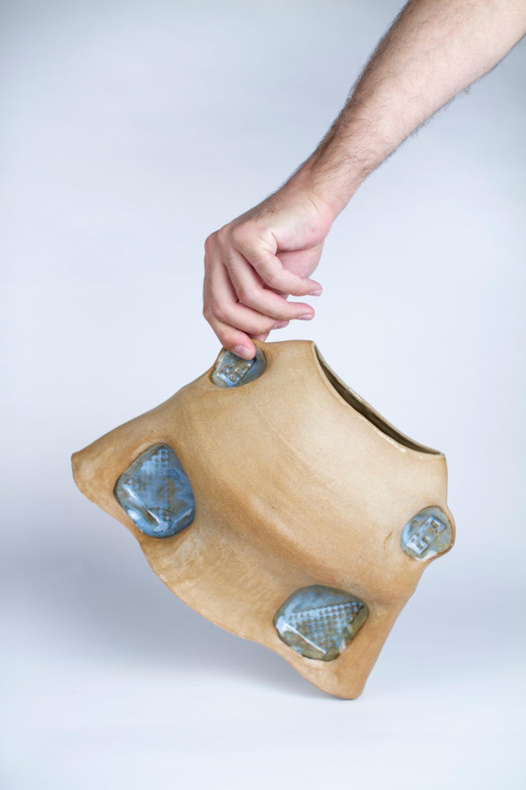 Spool Vase by Faissal El-Malak In New Condition For Sale In Geneve, CH
