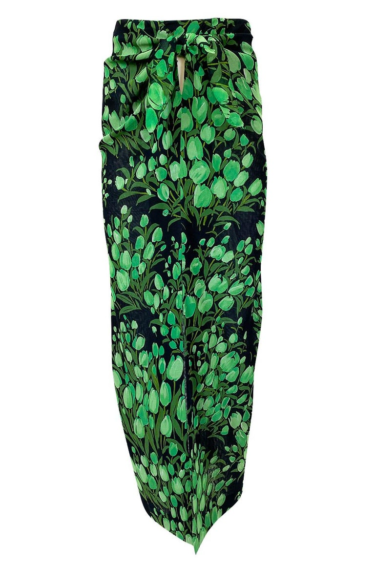 Spring 1972 Pauline Trigere Cotton Silk Voile Green Tulip Print Skirt & Top Set For Sale 7