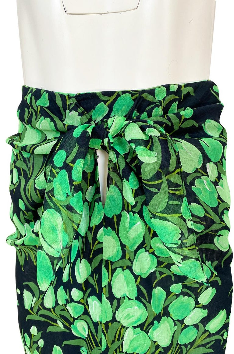 Spring 1972 Pauline Trigere Cotton Silk Voile Green Tulip Print Skirt & Top Set For Sale 8