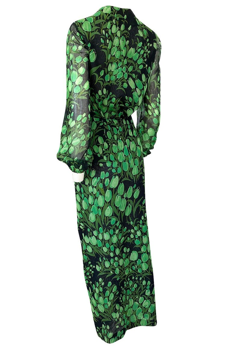 Spring 1972 Pauline Trigere Cotton Silk Voile Green Tulip Print Skirt & Top Set For Sale 1