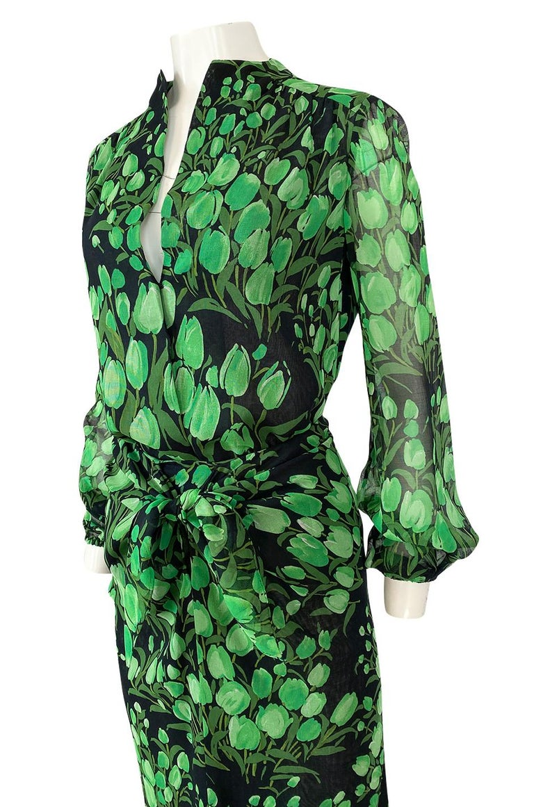Spring 1972 Pauline Trigere Cotton Silk Voile Green Tulip Print Skirt & Top Set For Sale 3