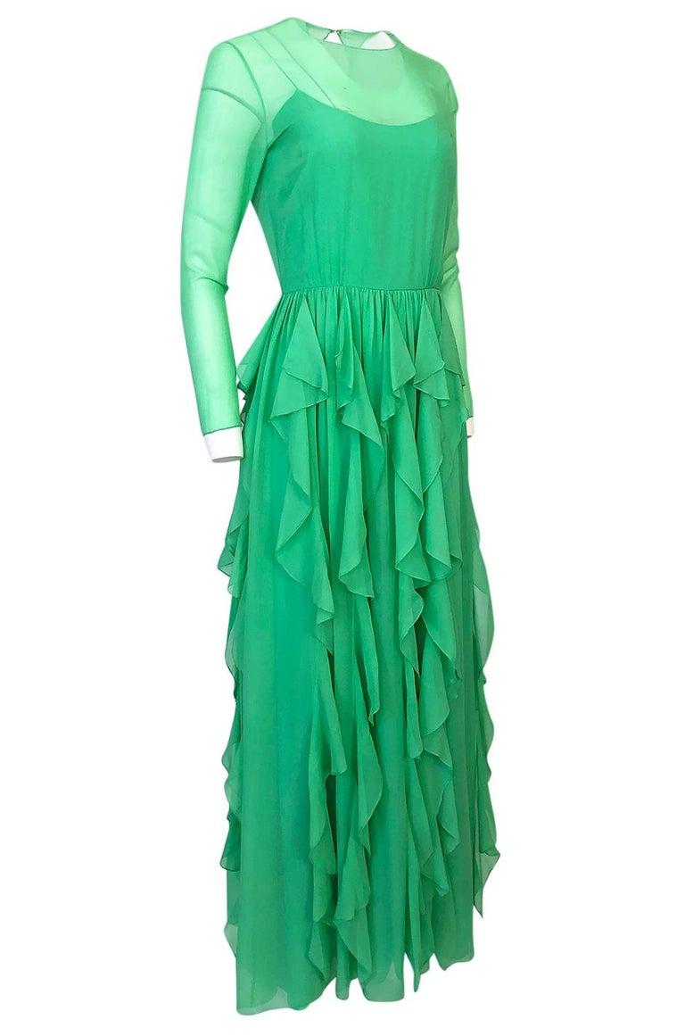 Spring 1981 Bill Blass Stunning Pale Green Silk Chiffon Ruffle Dress In Good Condition For Sale In Rockwood, ON