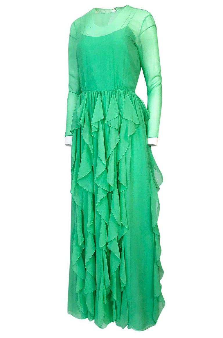 Women's Spring 1981 Bill Blass Stunning Pale Green Silk Chiffon Ruffle Dress For Sale