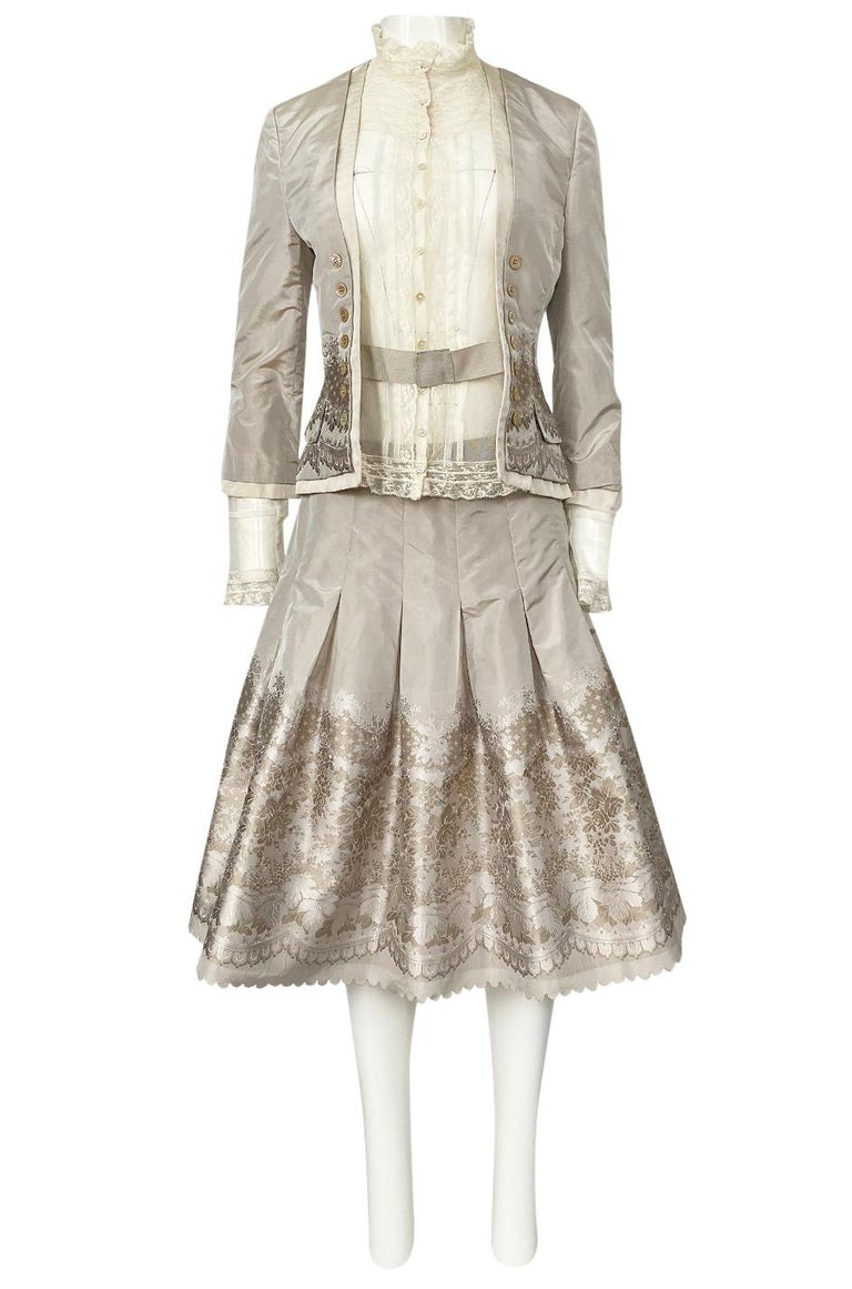 Spring 2005 Alexander McQueen 'It's Only a Game' Runway Skirt & Jacket Set In Excellent Condition For Sale In Rockwood, ON