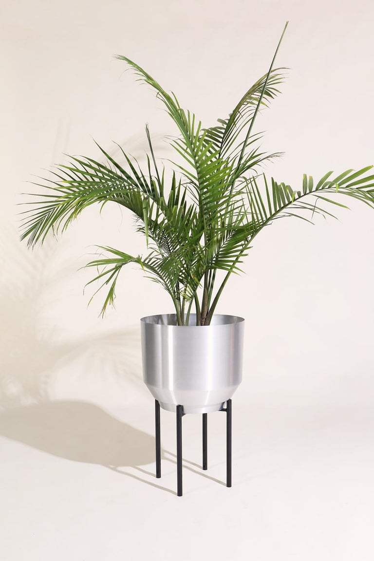 American Spun Planter, Aluminum For Sale