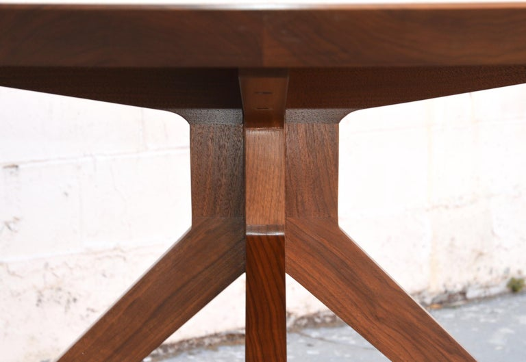 'Sputnik' Dining Table in Solid Walnut, Built to Order by Petersen Antiques In Excellent Condition For Sale In Los Angeles, CA