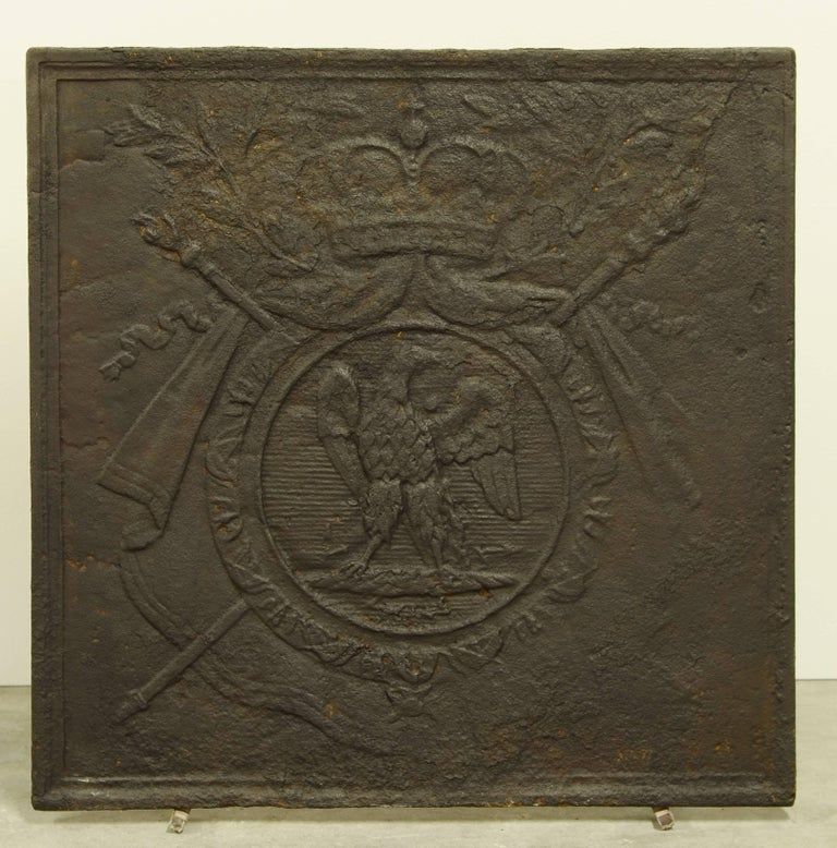 Very nice and decorative French antique cast iron fireback showing the coat of arms