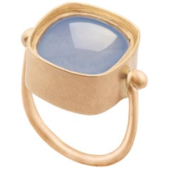 Square Chalcedony 18 Karat Gold Ring