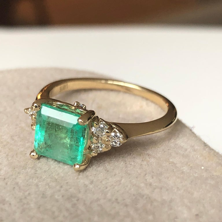 Square Cut Emerald and Diamond Ring Gold In New Condition For Sale In Brunswick, ME